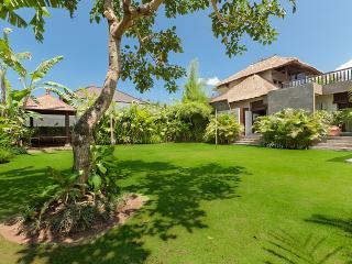 Villa Kebun the Garden Villa - Canggu Bali