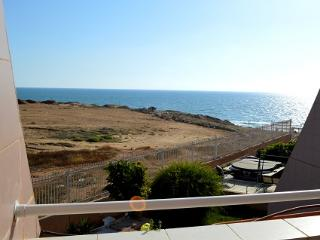 3 bedroom Cottage - Sea And Sun View to the Sea!, Tel Aviv