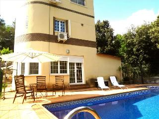 Luxurious casa de Caldes de Montbui 30 minutes from Barcelona and the beach, Santa Eulalia de Ronsana