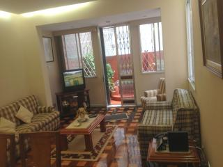COPACABANA-2 BEDROOMS - 1 block from COPACABANA BEACH-Free WIFI