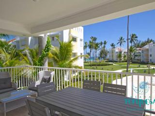 PLAYA TURQUESA E-202 - 3 br + maid room ocean view, Bavaro