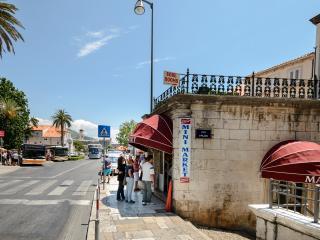The beginning of the street 'U Pilama'