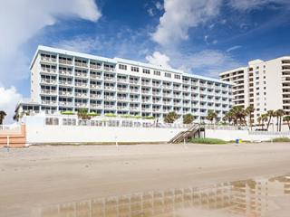 2 Bedroom, 2 Bath Oceanfront, Daytona Beach Shores