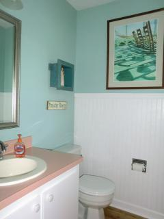 1st floor 1/2 bath