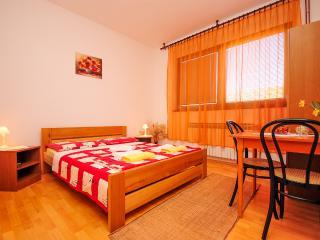Room Anton - 80171-S1, Rakovica