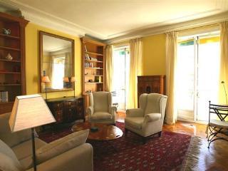 Ile Saint Louie - Large 1 bedroom (2254), Paris