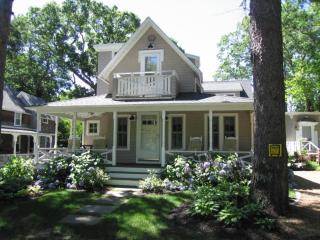 Spacious Cottage in a Lovely Neighborhood 116225, Oak Bluffs