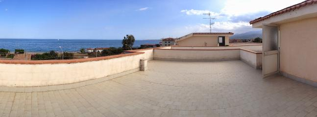 Private terrace, available on request. (disponibile a richiesta)