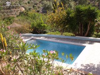 Lemon Grove F/house & Cottages, Comares