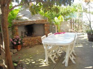 DOMMU BAHAS - giardino, barbecue, wifi