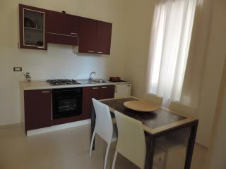 Taormina Holiday Home White - Short Lets