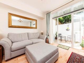 Lovely Flat with Patio in Chelsea - PG, Londen