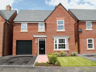Shrewsbury Modern House, walking distance to town