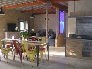 Gîte de prestige dans une bâtisse du 17e rénovée, Peyrins
