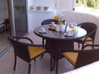Luxury apt, Coronado, 3-minute walk to beach, Marbella