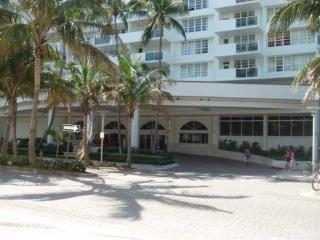 Decoplage 1 Bedroom - Ocean front building, balcony, city and ocean view, Miami Beach