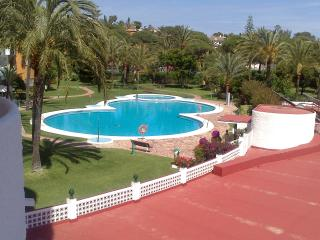 Luxury apt, Coronado, Urb. Marbesa, Marbella, 3-minute walk to beach