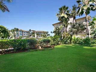 GROUND Floor W/ yard POOL&GARDEN view INTERIOR, Kapaa