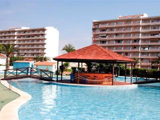 Ref 166.- Cerca de la playa, terraza y con excelente zona de piscinas