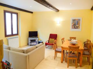 SUPERB 2 BED APARTMENT, Nice