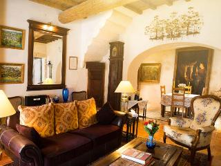 17th-century walls and provencal ceilings, with 21st-century conveniences.