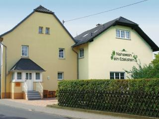 Vacation Apartment in Meddersheim - 646 sqft, newly furnished, large backyard with grill (# 1200), Bad Sobernheim