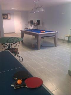 The house has a fantastic games room with a full size slate bed pool table, table tennis and darts