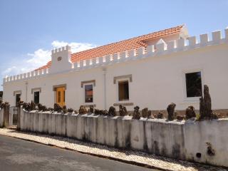 Castro Beach House - Colares