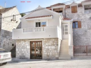 Clean and homey apartment Merkur for 3 persons in Marina, Vrsine