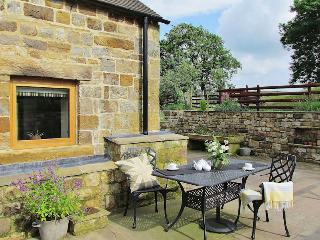 Self-catering on working farm in the Peak District