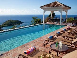 Villa Panache: Huge 6 Bedroom Villa! Sleeps 14! Full AC!, St. John