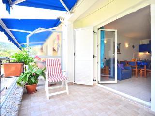 Familiy Holiday Beach Apartment on the Island of Šolta, Solta Island