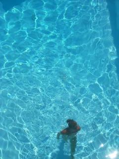 In piscina...!