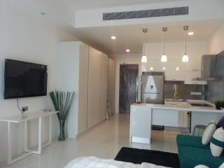New Fully Furnished Studio Apartment - Ideal for couple or small family