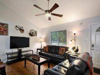 3BR/2BA Majestic TX Music Retreat, South Lamar, Austin