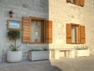 Apartment in Kastela - Sea Views (second floor)