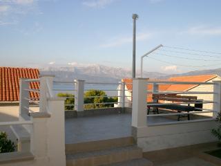 Villa Stella big apartment with sea view, Postira