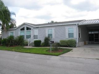 Beautiful, upgraded 3BR 2bath villa with screened patio and WiFi