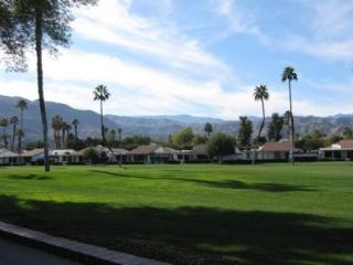 ET48 - Rancho Las Palmas Country Club - 3 BDRM, 2 BA, Rancho Mirage