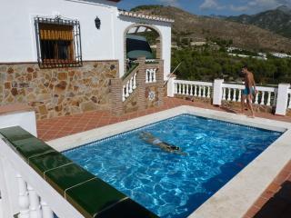 casa con barbacoa y piscina privada, Nerja