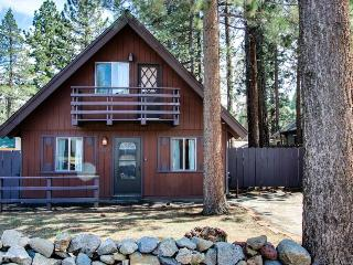 Comfortable Tahoe retreat  - minutes from attractions!, South Lake Tahoe