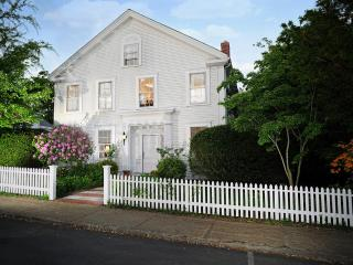 LAZEP - Berkshire House, Elegant in Town Greek Revival, Completely Renovated  with Luxury Decor,  4 Bedrooms, 4 Baths, Vineyard Haven