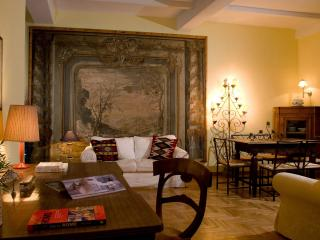 Heart of Rome, elegant apartment at Spanish Steps, Roma
