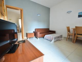 Modern Flat 200m away from the Sea (REF: Cameron), Gzira