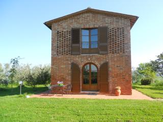 Charming cottage in Asciano - Crete senesi