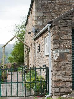 Relax in the cottage garden, enjoy the quiet of the countryside & the wonderful views.