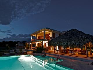 Romantic 4 Bedroom Villa on Treasure Beach