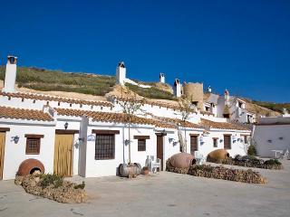 Casa Cueva de 1 dormitorio en Huescar