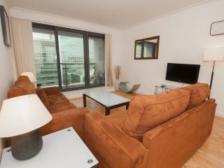 Waterfront 2Bed/2Bath Canary Wharf Apartment, Londres