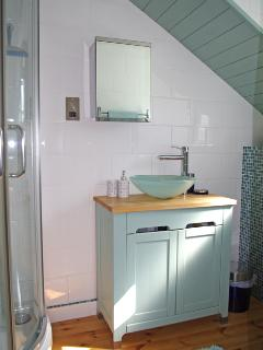 Gig House Cottage bathroom